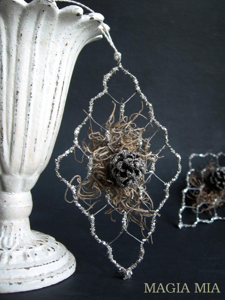 Magia Mia: Chicken Wire & German Glass Glitter Tree Ornament