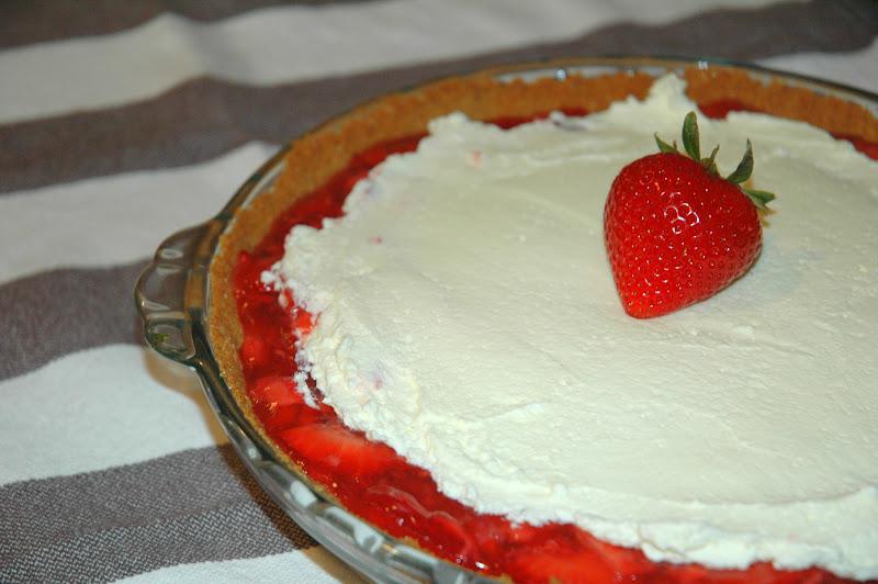 Four and Twenty Blackberries: Strawberry Icebox Pie
