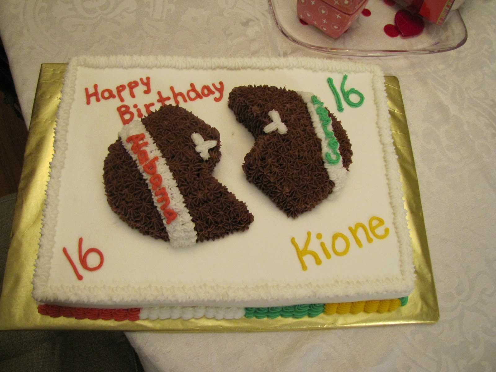 Football Themed Cakes http://cakegal.blogspot.com/2009/05/sports-themed-cakesgraduation-cakes.html