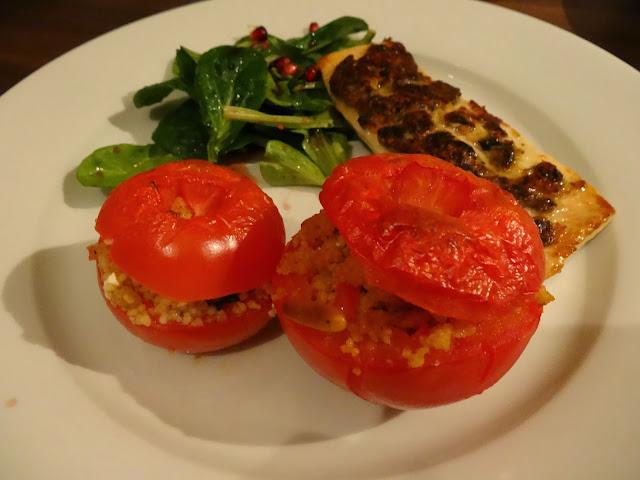 Gefüllte Tomaten mit Couscous