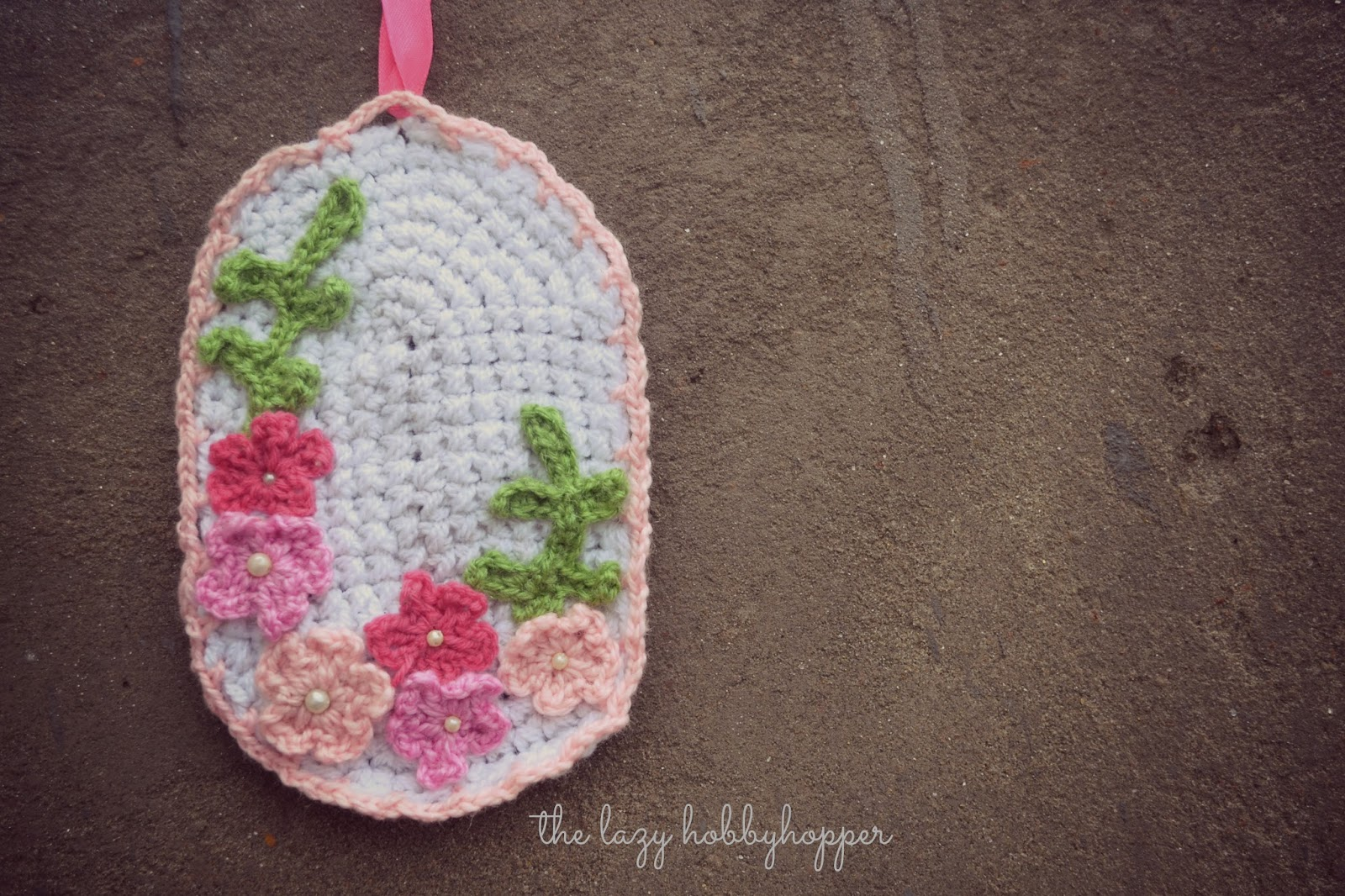 The Lazy Hobbyhopper: Crochet medallion with flowers