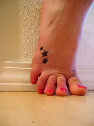 Tatuagens no Pé com Estrelas