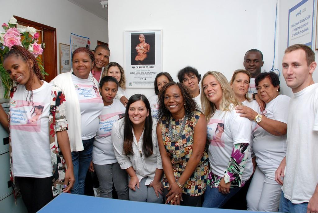 Equipe da Unidade de Saúde da Família da Barra do Imbuí comemora a conquista do título de Amiga da Amamentação