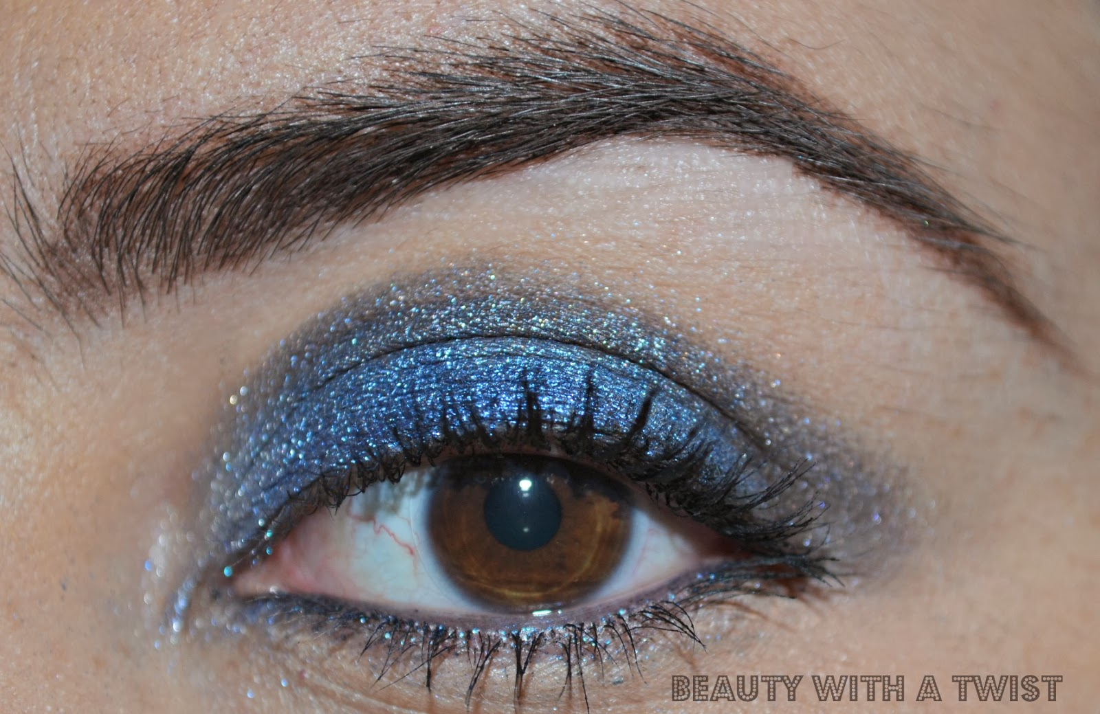 eye makeup look using Laura Geller Sandy Lagoon palette