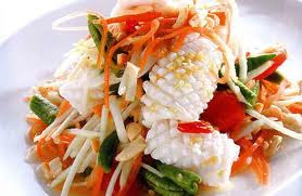 Som Tam Pla Muk (Spicy Squid and Papaya Salad)