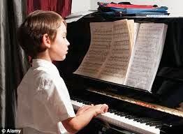 """<img alt=""""Feliks Mendelssohn"""" src=""""feliks mendelssohn.jpg"""" />"""