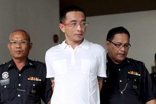 Tukang batu nisan dipenjara seminggu denda RM5 000 tandatangan buku saman dengan perkataan lucah