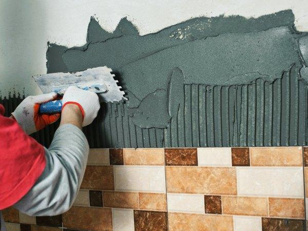 C mo alicatar paredes paso a paso parte 1 trucos de - Como se pone azulejo ...