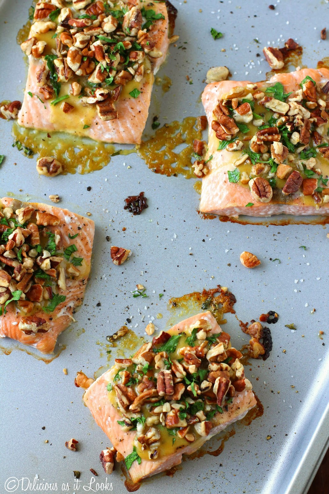 Low-FODMAP Recipe Roundup: Friday Fish Fry {Dijon Pecan Baked Salmon}  /  Delicious as it Looks