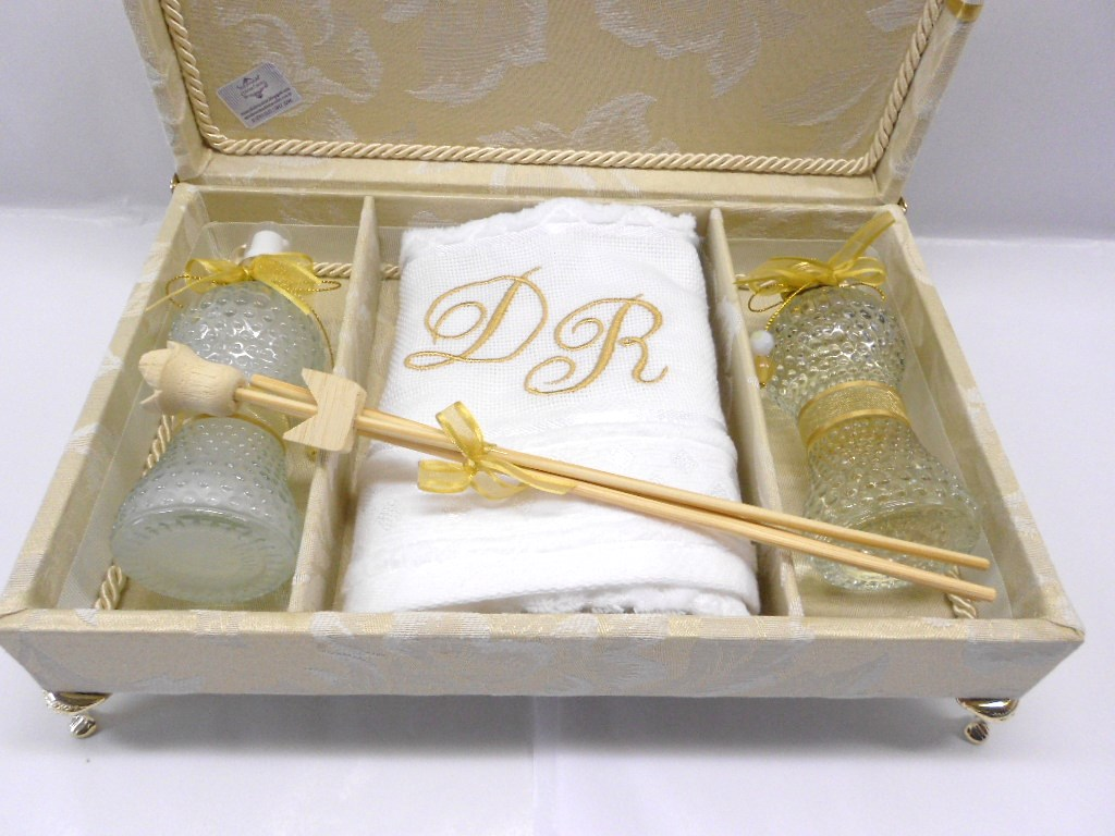 De Casamento ~ Várias idéias de design atraente para a sua casa #967D35 1024 768