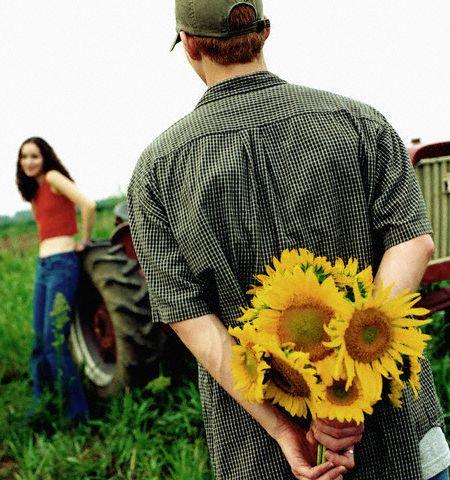 Tanda-tanda Kamu sedang Jatuh Cinta dengan Seseorang