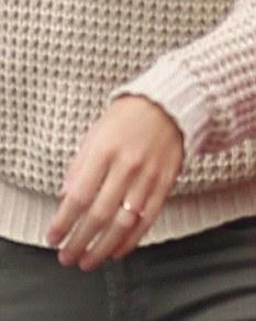 Jumper The Finger Ring Moving