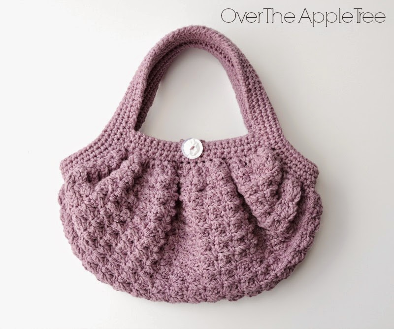 Free Crochet Pattern Fat Bottom Bag : Over The Apple Tree: Girls Crochet Fat Bottom Bag