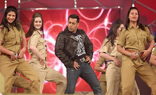 Salman Khan at Umang Police Show 2013