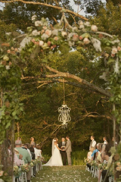 altares de boda con arboles