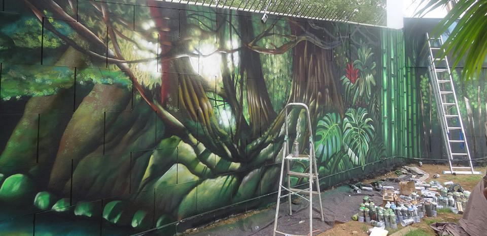 Berok graffiti mural profesional en barcelona murales de for Como pintar un mural infantil
