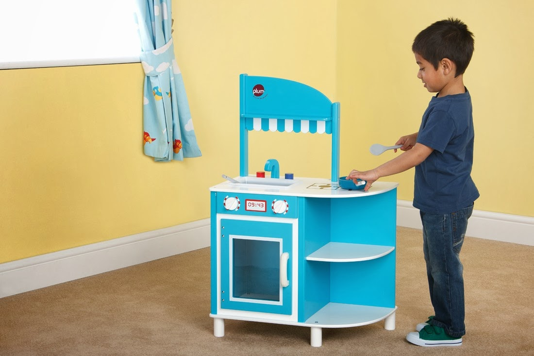 http://wooden-toys-direct.co.uk/brands/plum-products/plum-hendon-wooden-role-play-kitchen-41026.html