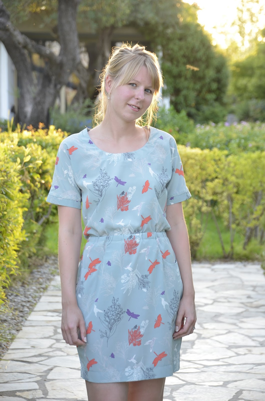 Ela Sews And Doesn\'t Sleep: Honey Moon Sewing: The Bettine Dress.
