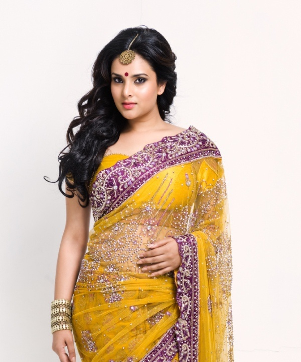 Divya Spandana in Traditional Saree1 - Divya Spandana Hot Pics in Indian Traditional Ethenic Saree