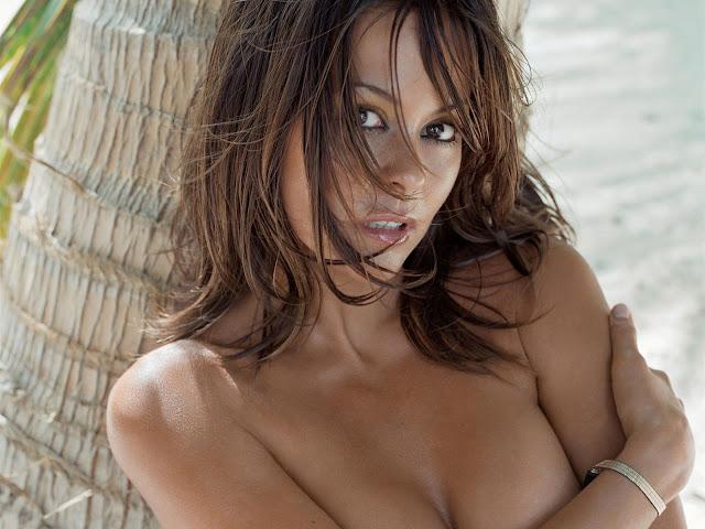 Hot Brooke Burke Pictures