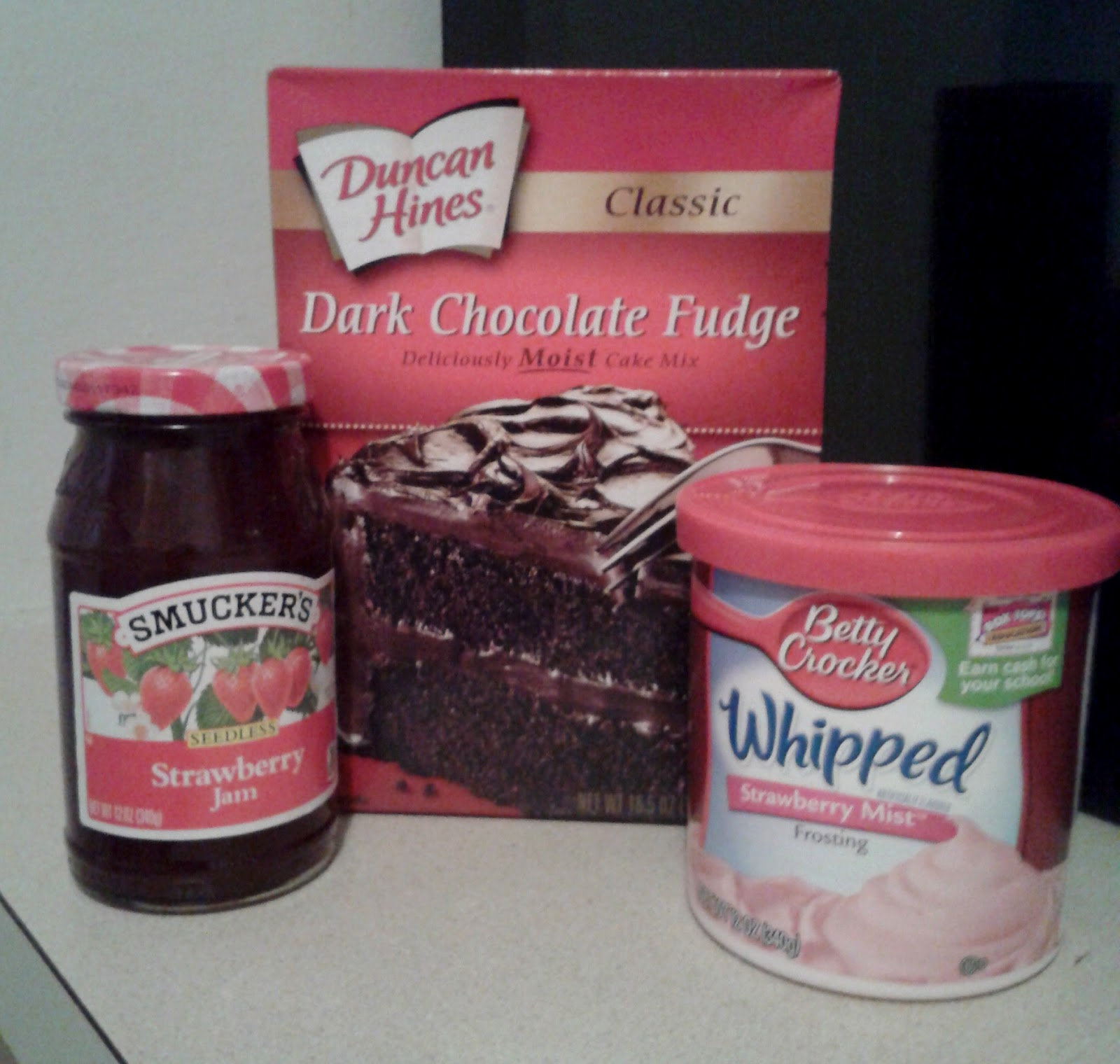 Frosting: Betty Crocker Strawberry Whipped Frosting