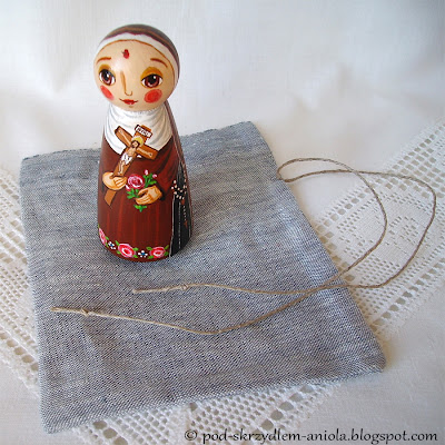 Drewniana malowana figurka katolicka chrześcijańska Święta Rita