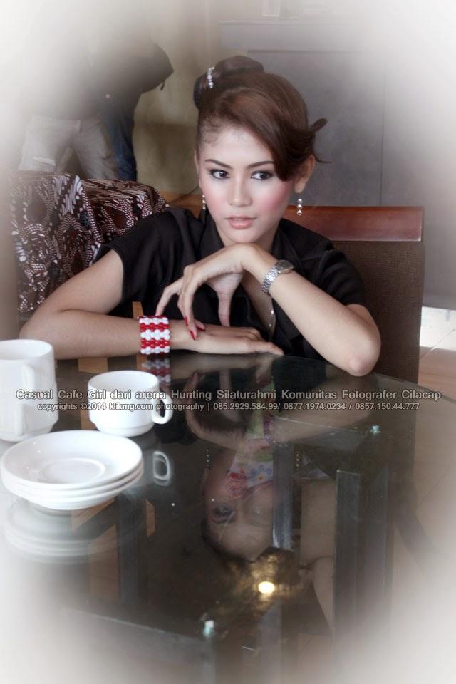 Casual Cafe Girl dari arena Hunting Silaturahmi Komunitas Fotografer Cilacap | Fotografer Jakarta - Indonesia