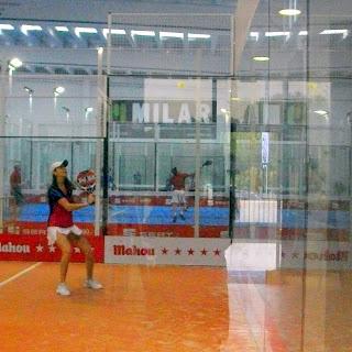 Andrea Fernández en una salida de pared de revés