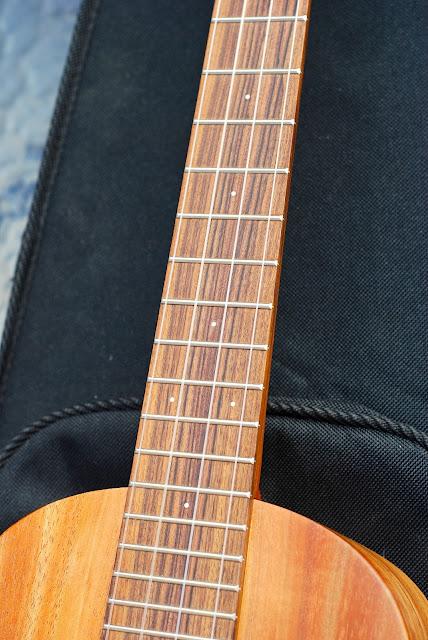 Martin T1K ukulele neck
