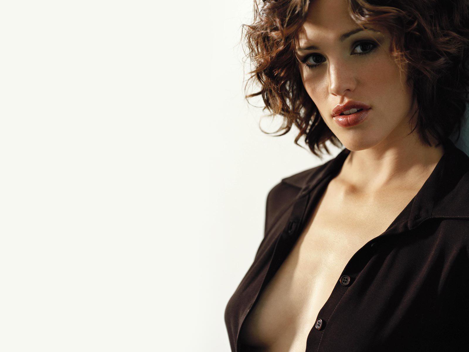 http://1.bp.blogspot.com/-XMg_vmtVPXU/TiXHYmd5QaI/AAAAAAAACBU/V83a9L6BC7U/s1600/Jennifer-Garner-hot-wallpaper.jpg