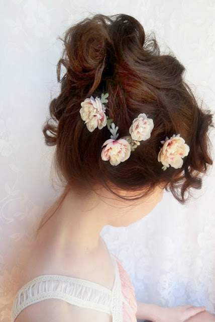Floral.Bridal.Hair.Updo