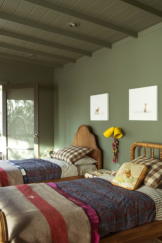 atelier rue verte le blog une chambre d 39 enfant en vert kaki. Black Bedroom Furniture Sets. Home Design Ideas