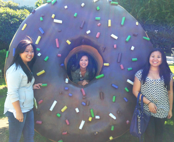 google mountain view giant donut statue