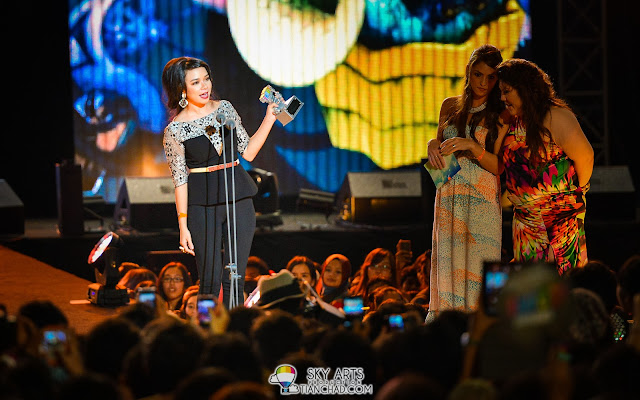 Nora Danish @ 8TV Shout! Awards 2012