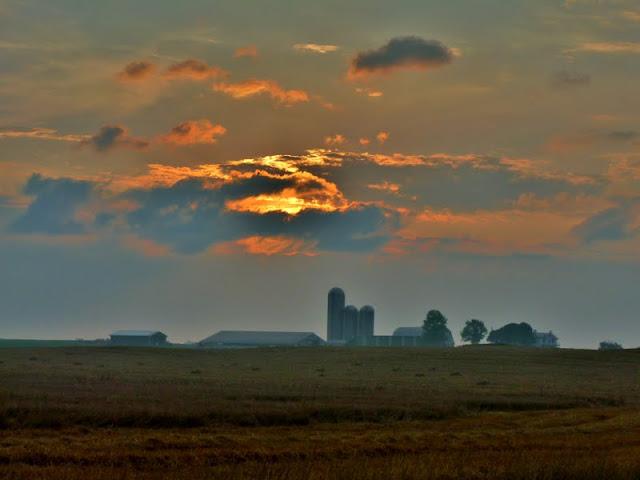 Devilbiss Rd Farm at sunrise