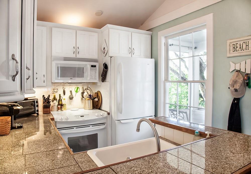 Renovated kitchen at 1407 White Street