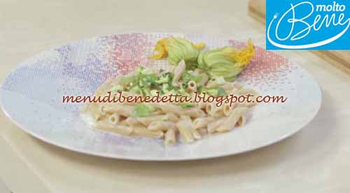Pennette con zucchine e crema al formaggio ricetta Parodi per Molto Bene su Real Time
