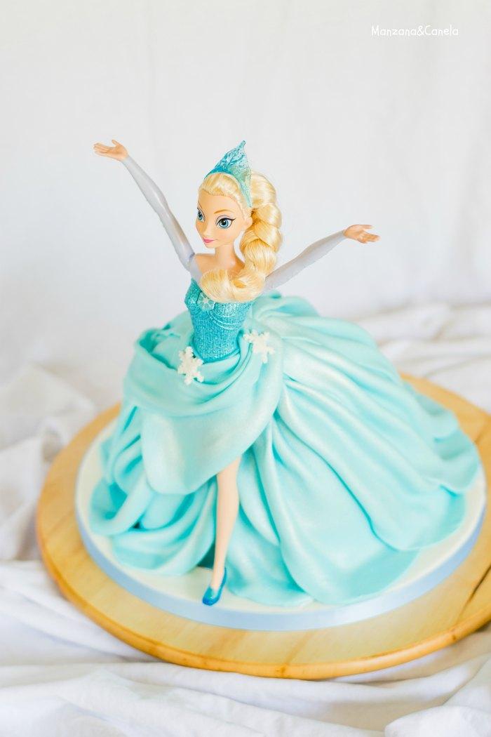 Tarta de muñeca Elsa (Elsa Doll cake)