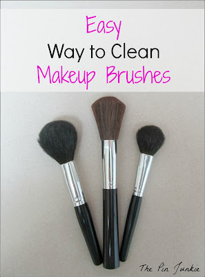 Easy way to clean makeup brushes, makeup brushes