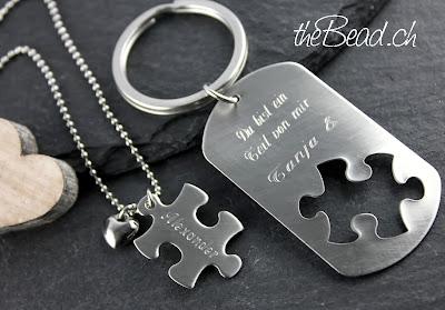 Schlüsselanhänger und Halskette Puzzle mit Gravur im Set