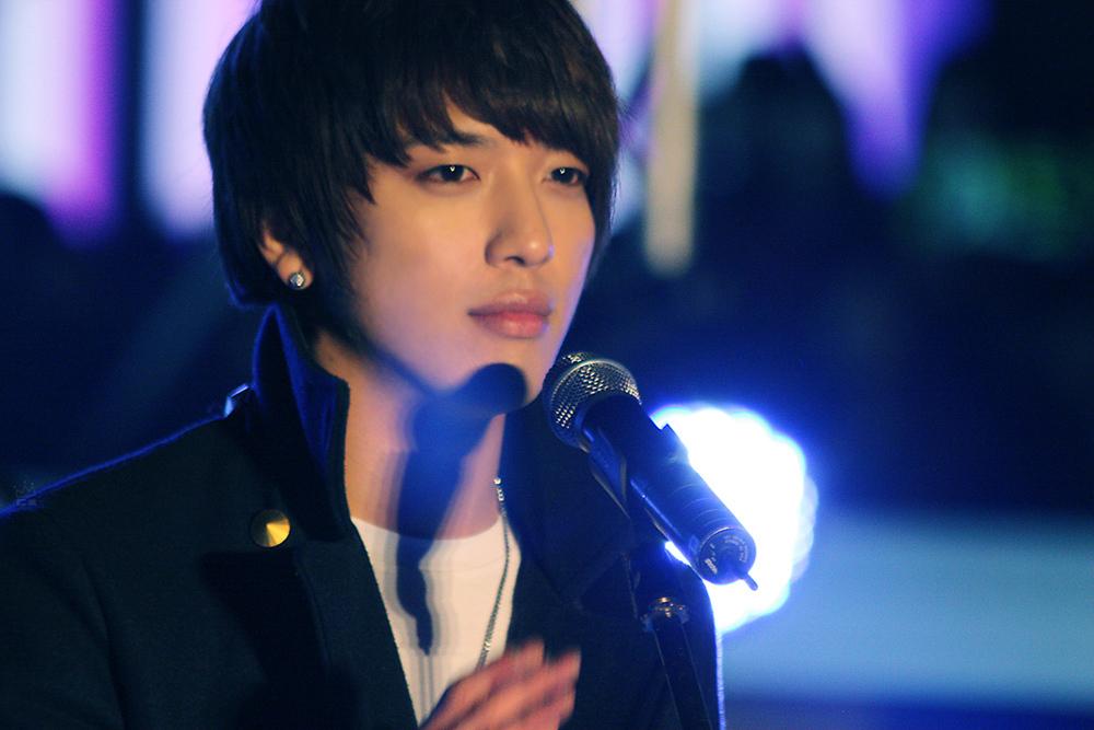 http://1.bp.blogspot.com/-XNw3ayl6mmY/TVOaeqg2_TI/AAAAAAAAAH0/Iai_iAOIb3I/s1600/Yong-Hwa-s-Cuteness-jung-yong-hwa-14153327-1000-667.jpg
