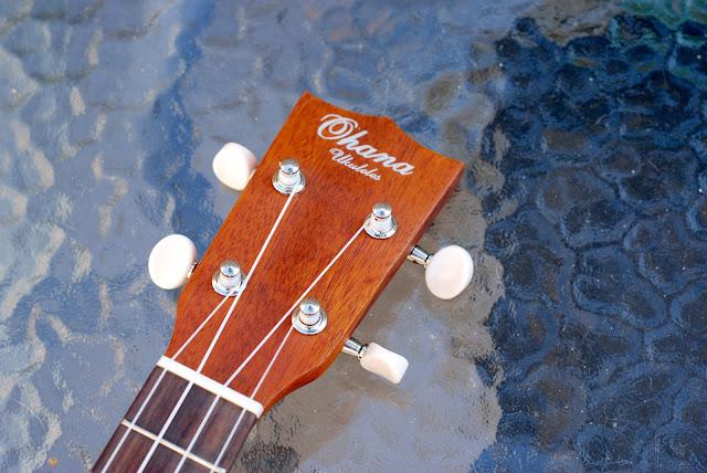 Ohana SK-25 ukulele headstock
