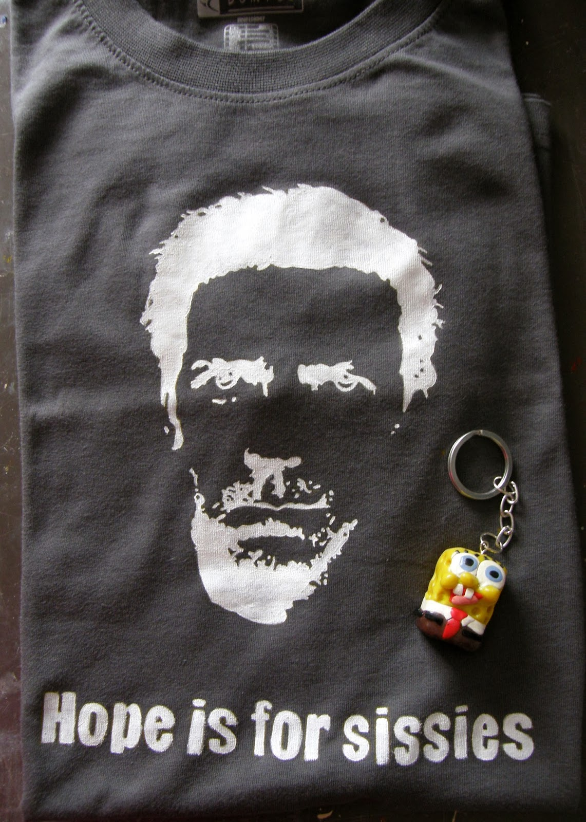 http://www.elrincondefrifri.com/2010/06/camiseta-de-house-md.html