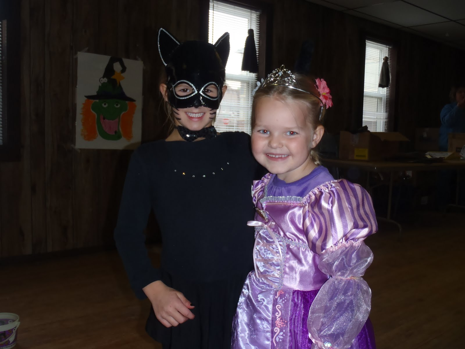 kelly had her first girl scout halloween party this afternoon she has been looking forward to it for a couple weeks she had a great timeplaying lots of
