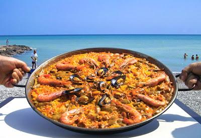Una paella en la playa en Alicante