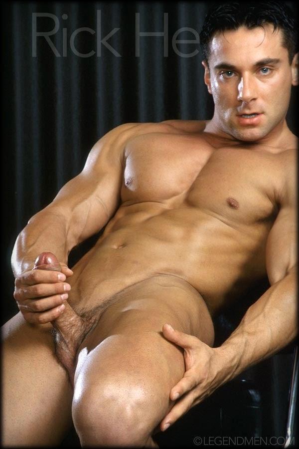 ролики красивые голые мужики
