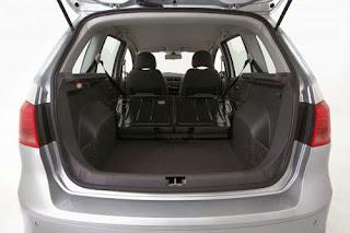 Fotos do Novo SpaceFox 2014 da Volkswagen porta malas