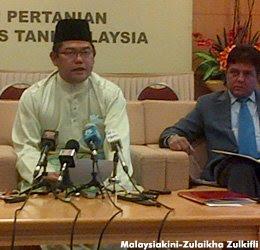 Langat 2: Noh dakwa S'gor terus kelirukan rakyat Timbalan Pengerusi Umno Selangor Datuk Seri Noh Omar hari ini membidas kerajaan Selangor yang didakwanya terus mengelirukan rakyat berhubung isu pembinaan Loji Rawatan Air Langat 2.