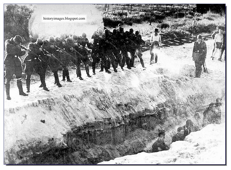 einsatzgruppen history A secondary school revision resource for gcse history students about germany in a period of transition 1929-1949.