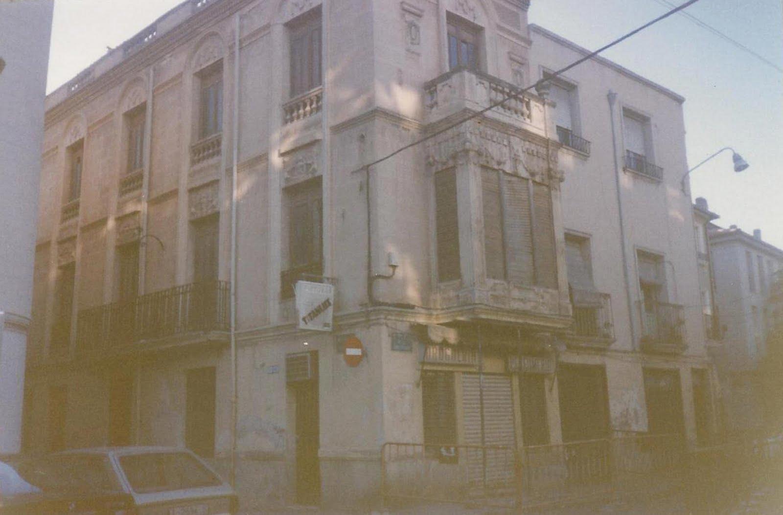Elda la esquina del guardia la casa tienda de la calle - Casas en elda ...